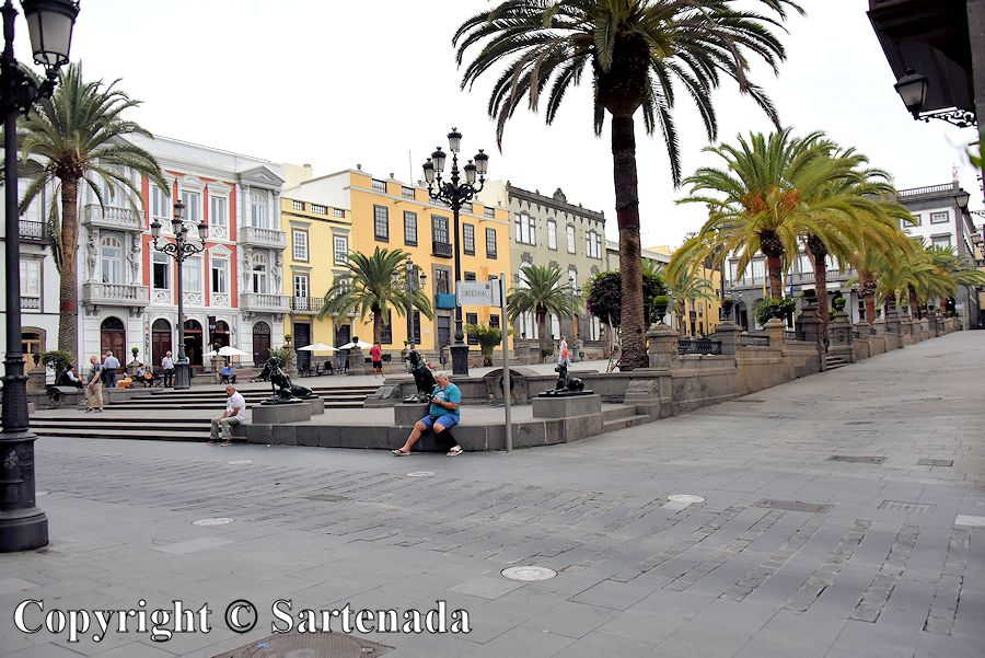 21. Plaza Mayor de Santa Ana