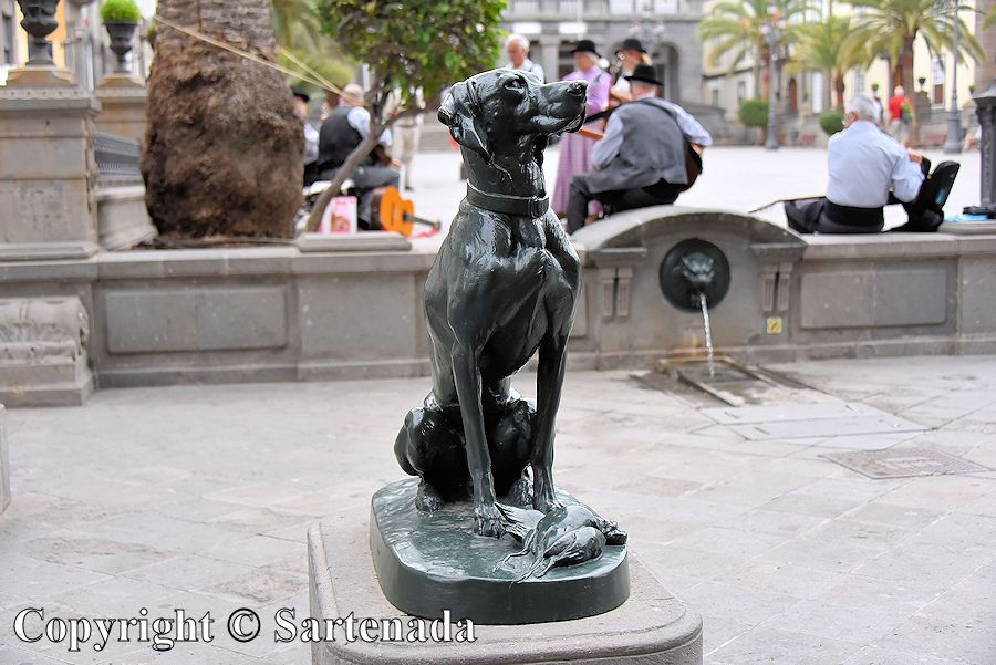 35. Dog sculptures in front of the Cathedral of Santa Ana