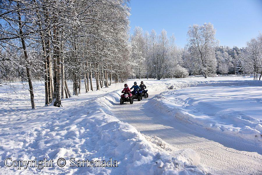 Winter village / Pueblo de invierno / Village d'hiver / Aldeia de Inverno