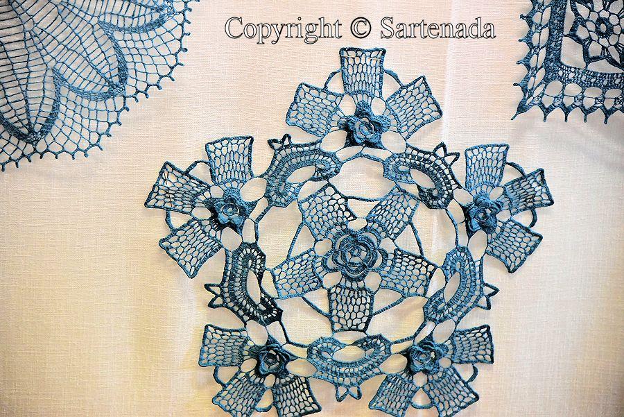 Hooked on lace2 / Enganchado en encaje2 / Accroché sur la dentelle2 / Enganchado na renda2