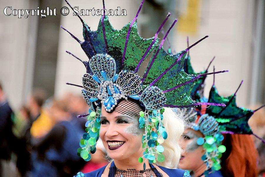 Samba dancers / Bailarines de samba / Danseuses de samba / Dançarinas de samba