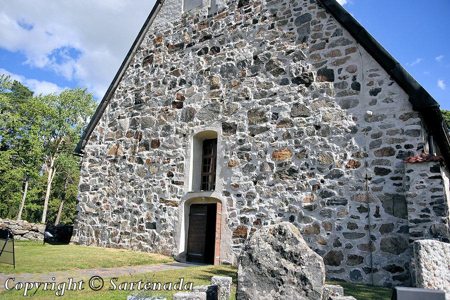 St. Olaf's medieval church in Lemu / Iglesia medieval de San Olaf en Lemu / L'église médiévale de St. Olaf à Lemu Igreja medieval de Santo Olavo em Lemu