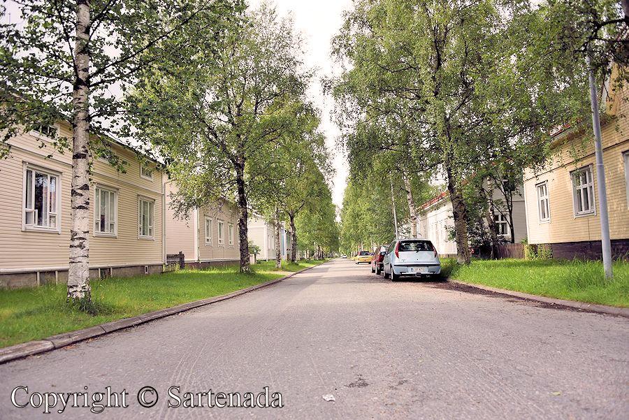 Raksila - residential district of wooden houses / Raksila - barrio de casas de madera / Raksila - quartier résidentiel des maisons en bois / Raksila - distrito de casas de madeira