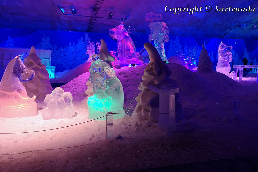 Moomin ice sculptures / Esculturas de hielo de Mumin / Sculptures de glace de Moomine / Esculturas de gelo de Mumin