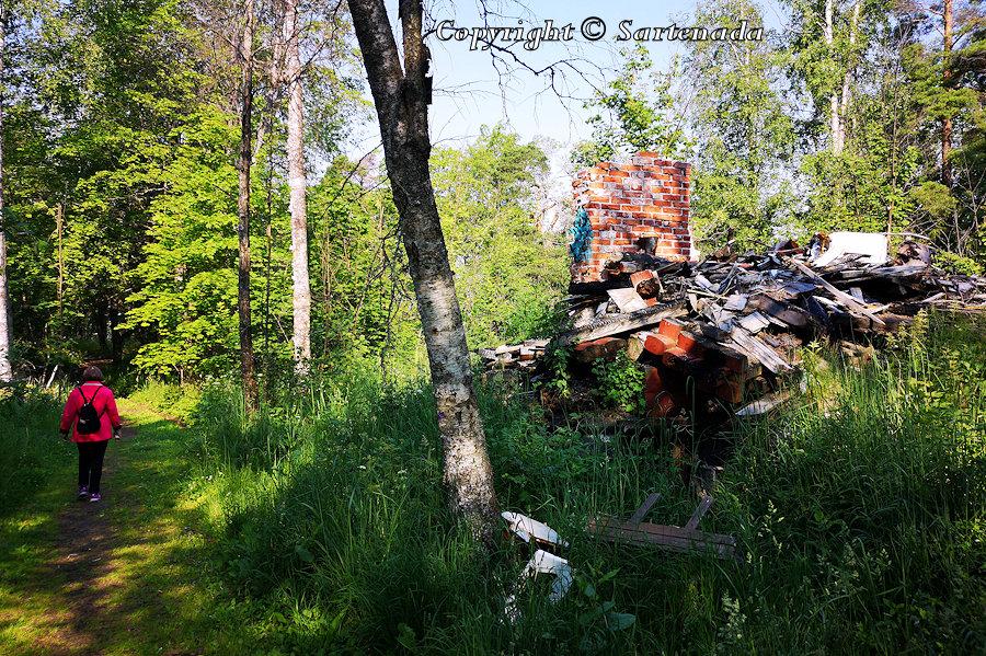 Search for ghost houses / Búsqueda de casas fantasmas / Recherche de maisons fantômes /  Busca de casas fantasmas