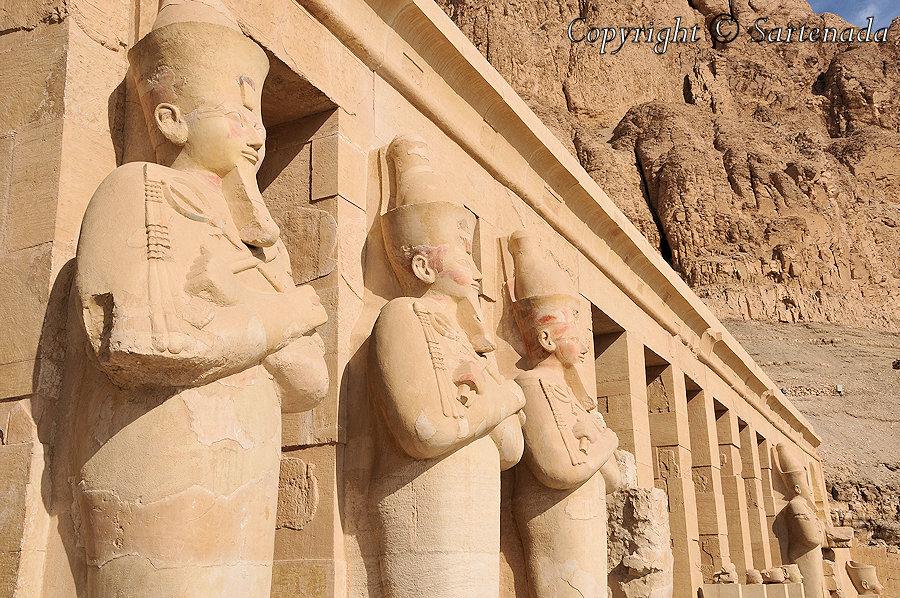 Temple of Hatshepsut / Templo de Hatshepsut / Temple d'Hatchepsout / Templo de Hatshepsut