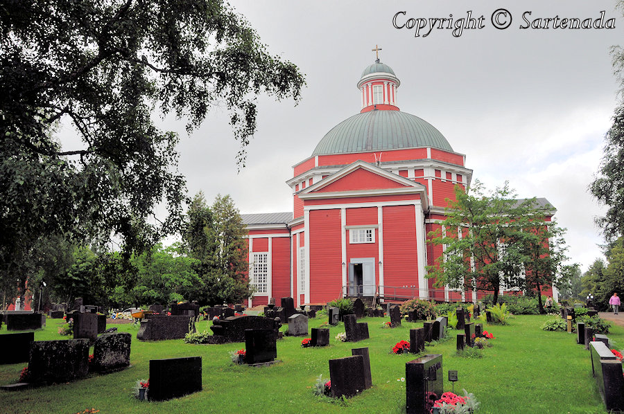 Church of Saarijärvi / Iglesia de Saarijärvi / Église à Saarijärvi / Igreja em Saarijärvi
