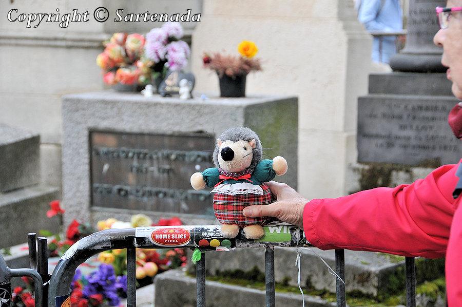 Père Lachaise Cemetery / Cementerio del Père Lachaise / Cimetière du Père-Lachaise / Cemitério do Père-Lachaise